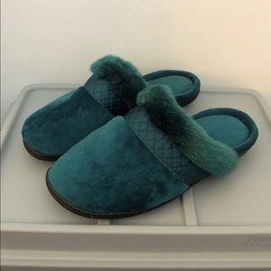 Isotoner Blue Velvet Foam Slippers